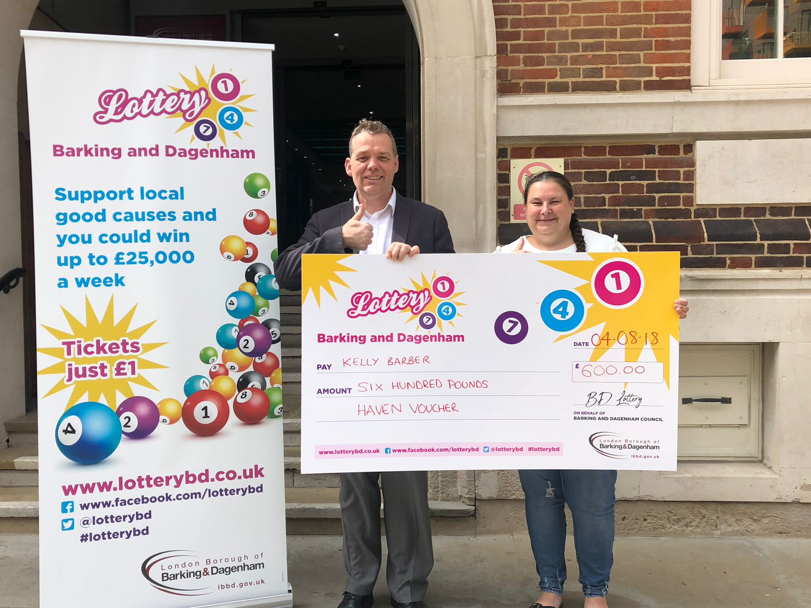 Picture of Barking and Dagenham Lottery winner Kelly Barber and Councillor Darren Rodwell